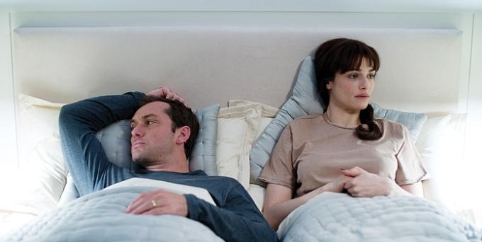 Jude Law and Rachel Weisz in 360