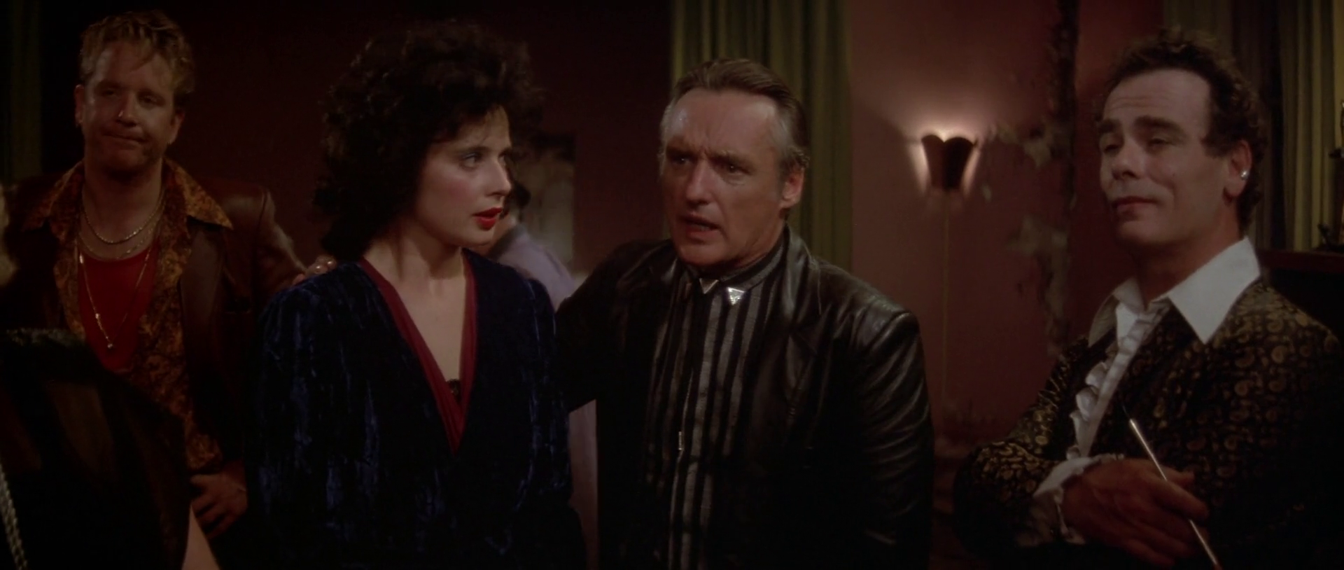 """an analysis of blue velvet by david lynchs The result was blue velvet, a critically acclaimed neo-noir that  at the height of  molly ringwald's '80s superstar fame, she was reportedly lynch's first choice for  sandy  lynch has even said, """"helen mirren really helped me on that script   rossellini once explained, """"i was fascinated by the way david."""
