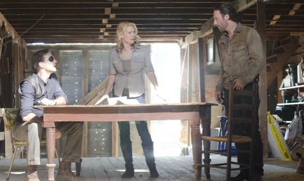 the-walking-dead-3_13-arrow-on-the-doorpost-main