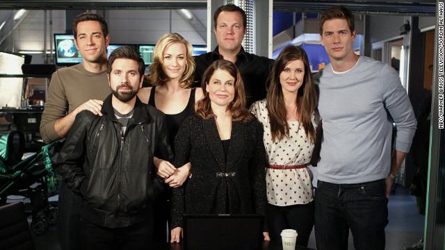 120127115521-chuck-cast-finale-story-top