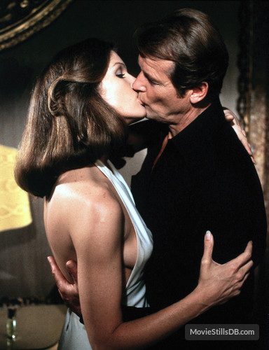 Just like a Roger Moore kiss, 'Moonraker' sucks
